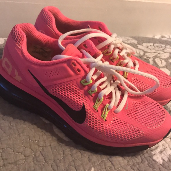 Hot pink Nike Airmax, very good condition!